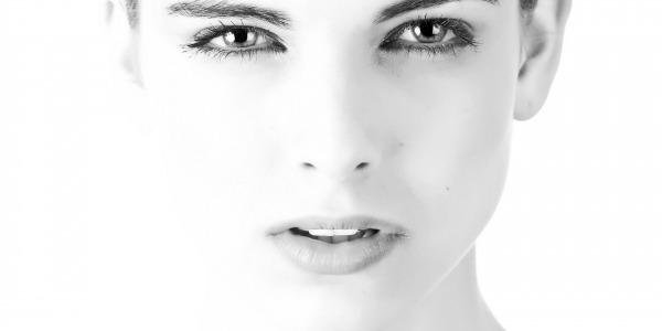 Realiza una limpieza facial de calidad y cuida la piel del rostro